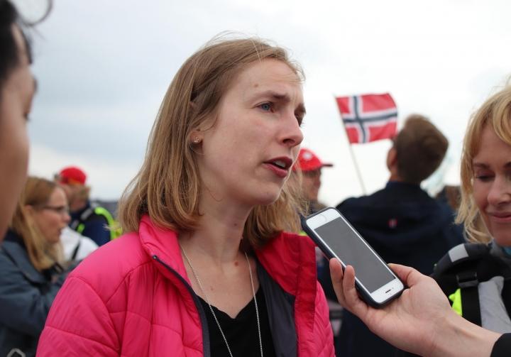 Iselin Nybø (V) mottok mandag en fersk rapport om barnehagelærerstudenters kunnskap om vold og overgrep mot barn.